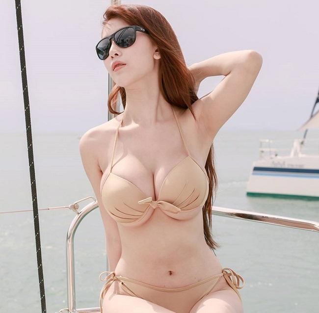 """Một người mẫu khác ở xứ sở chùa vàng là Alisa Rattanachawangkul cũng đã bắt kịp xu hướng """"hot""""."""
