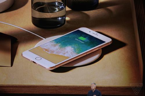 iPhone 8 và 8 Plus trình làng