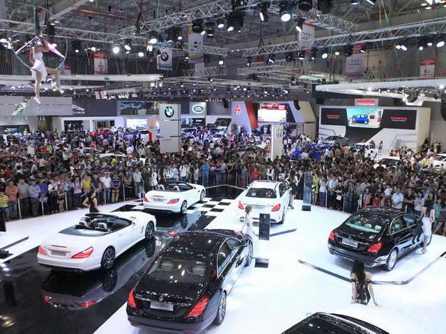 Nhờ giảm giá, thị trường ô tô Việt Nam tháng 8/2017 phục hồi - 1