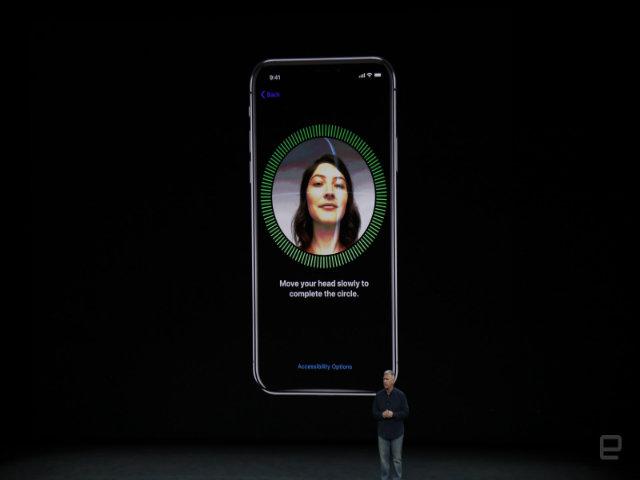 """Vết lõm trên màn hình iPhone X chứa """"vũ khí"""" gì? - 3"""