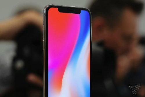 """Vết lõm trên màn hình iPhone X chứa """"vũ khí"""" gì? - 2"""