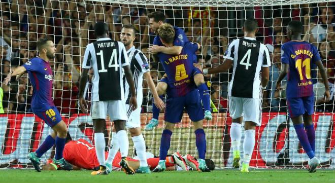 Messi lập cú đúp, Barca đè bẹp Juventus