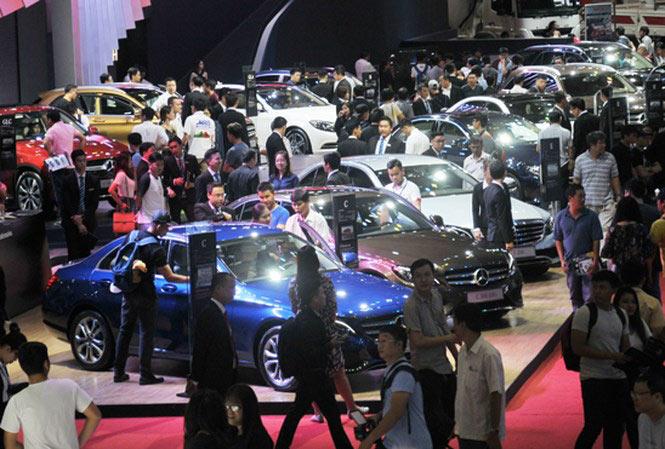 Giảm giá nhiều, doanh số xe lắp ráp bất ngờ vượt xe nhập khẩu - 1