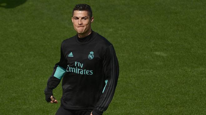 """Real Madrid - APOEL Nicosia: Chờ Ronaldo """"hô phong hoán vũ"""" 2"""