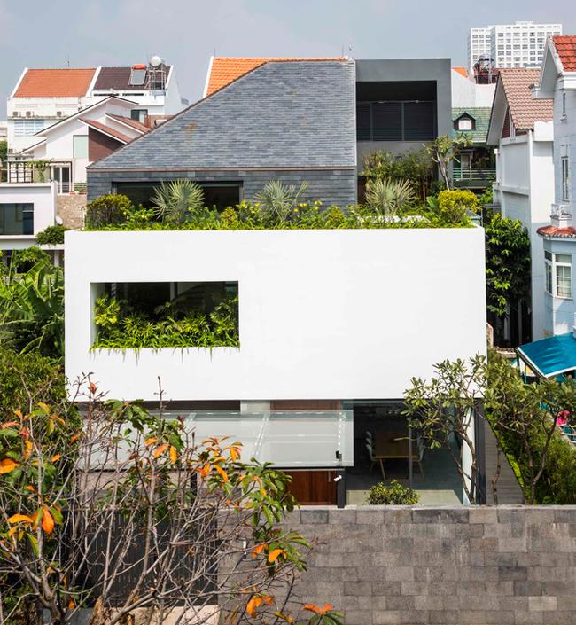 Căn nhà này nằm trong một khu dân cư thuộc quận 7, thành phố Hồ Chí Minh.