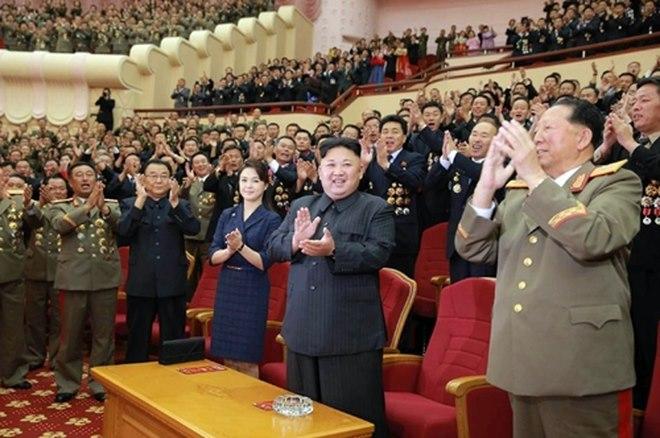 """Triều Tiên sẽ ra sao sau lệnh phạt """"đánh"""" vào yếu huyệt? - 2"""