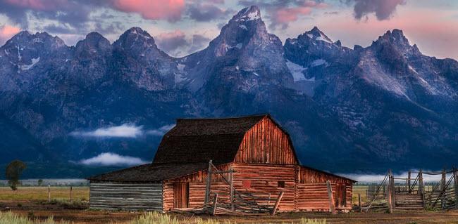 Jackson Hole, Wyoming, Mỹ: Thung lũng Jackson Hole và hẻm núi Tetons như một bức tranh thay đổi huyền ảo vào mỗi mùa khác nhau.