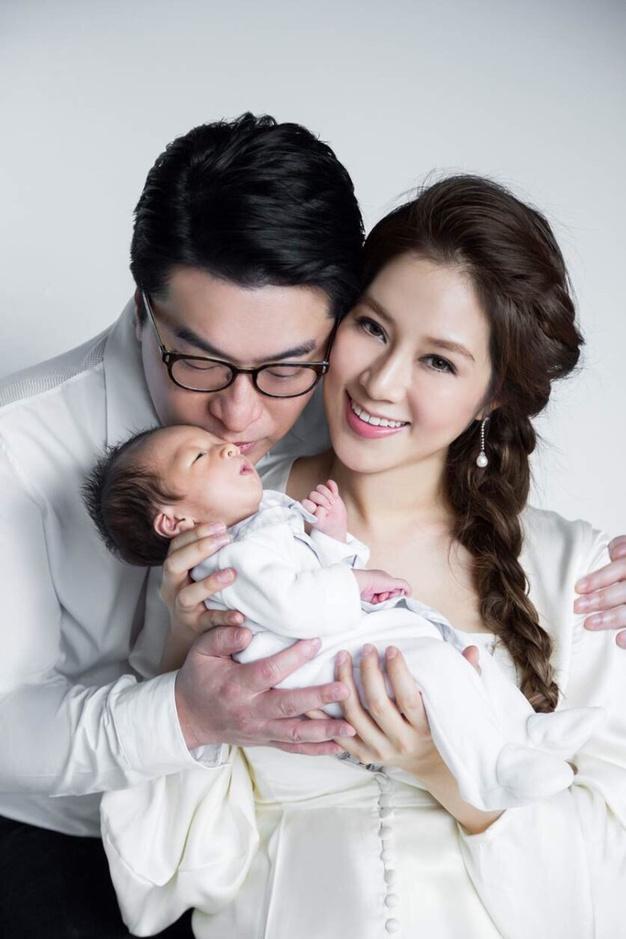 Gia tài kếch xù của nhà chồng kiều nữ TVB đẻ 4 con - ảnh 6
