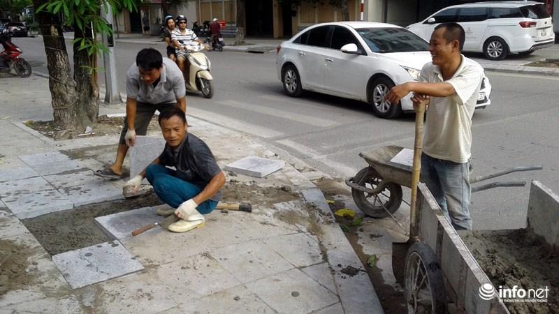 Hà Nội: Công trình lát đá vỉa hè mới làm xong đã nát bét - 10