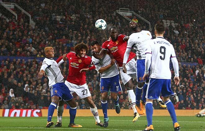 """MU thắng lớn """"tạt cánh đánh đầu"""": Mourinho thấy chìa khóa vàng - 3"""