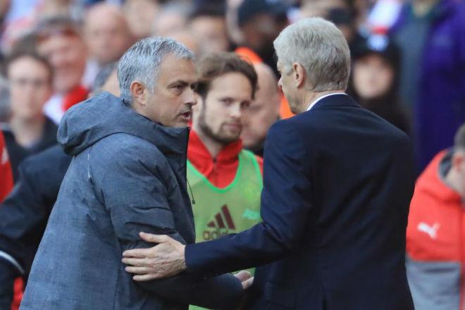 Arsenal đá Europa League, Wenger hậm hực MU đại thắng Cup C1 - 1