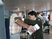 Tài chính - Bất động sản - Nâng phí phục vụ hành khách, giá vé máy bay có tăng?