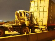 """Tin tức trong ngày - 3 xe container đâm nhau tại dốc cầu """"chết chóc"""" ở Sài Gòn"""