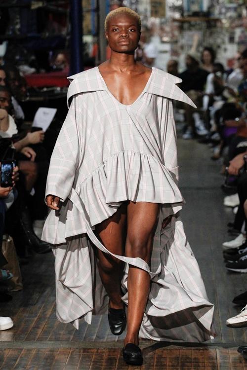 """Tuần lễ thời trang New York và những bộ đồ """"hại não"""" bậc nhất - ảnh 12"""