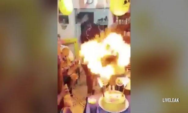 """Thổi """"nến"""" sinh nhật, bé gái bị lửa trùm người - 2"""