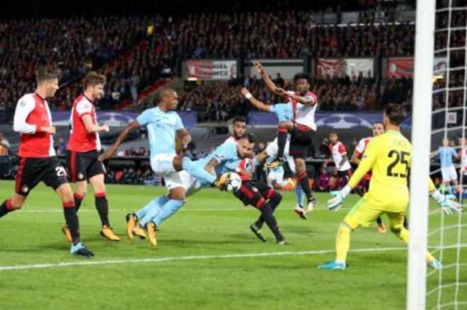 Feyenoord - Man City: Sấp mặt sau những đòn phủ đầu