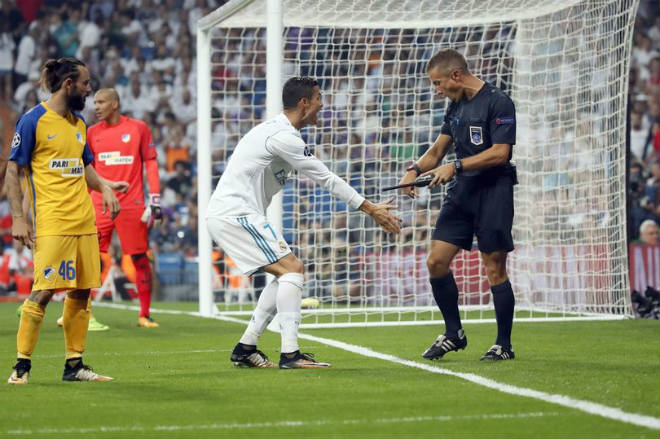 Ronaldo chói sáng ngày trở lại, cứu rỗi Real Madrid - 9
