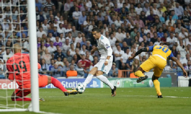 Ronaldo chói sáng ngày trở lại, cứu rỗi Real Madrid - 4