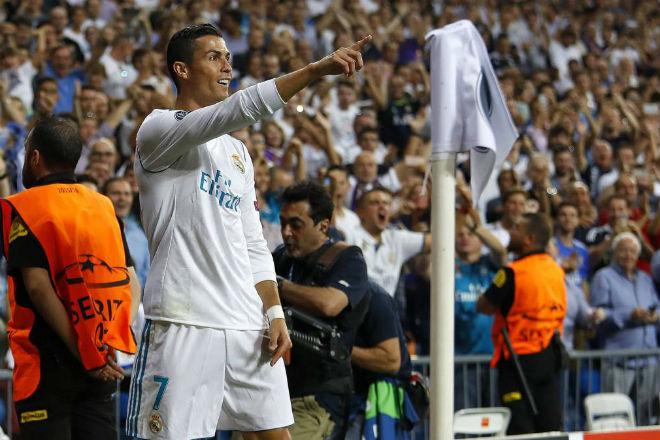 Ronaldo vượt mặt Messi, soán ngôi VUA phạt đền Cúp C1