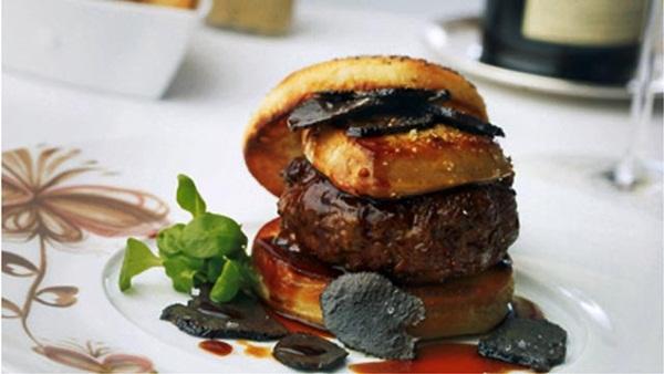 Có gì trong chiếc hamburger giá hơn 100 triệu, ăn một lần nhớ cả đời? - 1