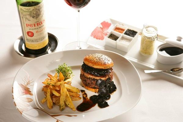Có gì trong chiếc hamburger giá hơn 100 triệu, ăn một lần nhớ cả đời? - 3