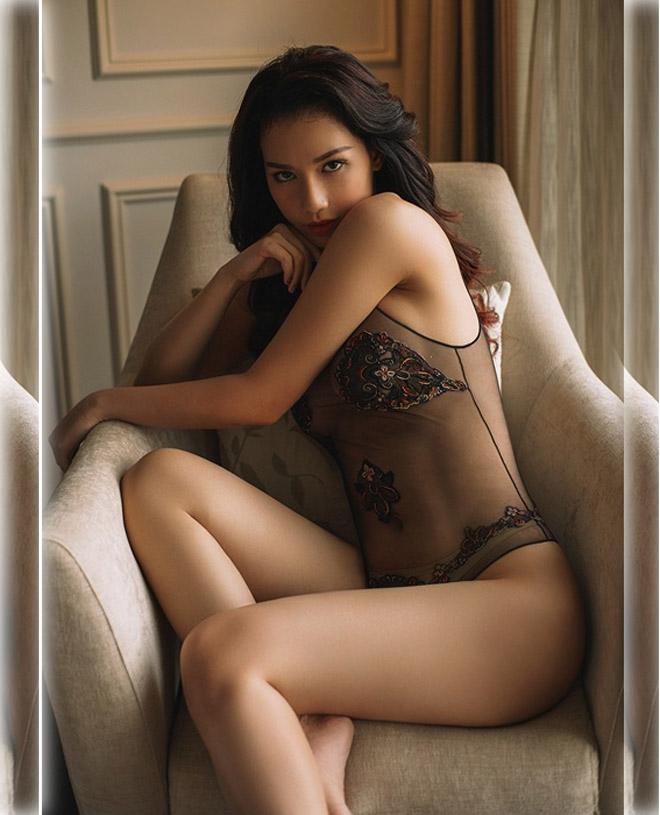 Ảnh diện nội y màu nude, trong suốt hiếm hoi của mỹ nhân Việt - 6