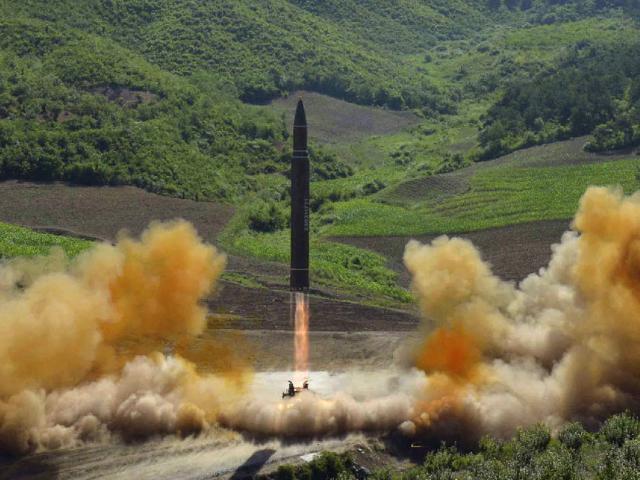 Triều Tiên sắp thử bom hạt nhân, phóng tên lửa cực mạnh?