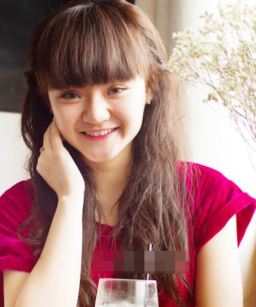 """Không kém chị, em gái Angela Phương Trinh cũng có bờ môi """"ảo thuật"""" - 2"""