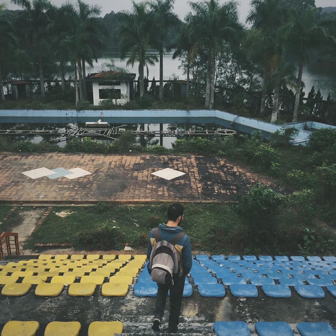 Du khách nước ngoài đổ xô khám phá công viên nước bỏ hoang ở Việt Nam - 5