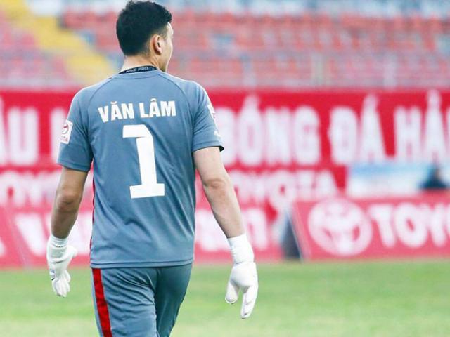 Những cú kungfu rợn người: Từ SAO ngoại hạng Anh tới cầu thủ U18 Việt Nam 6