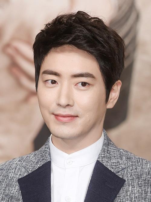 Lee Min Ho cũng phải coi chừng những nam thần này - ảnh 15