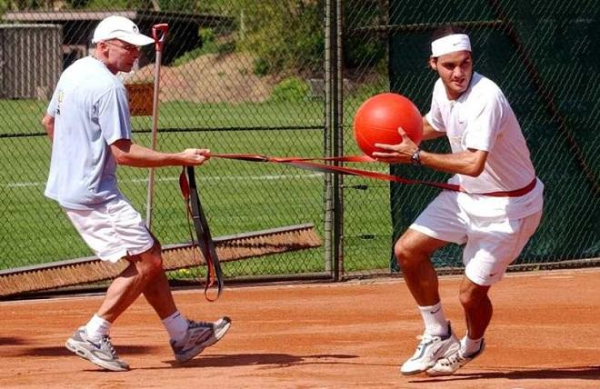 """Vì sao """"tàu tốc hành"""" Roger Federer nhanh như cắt, khỏe vô địch - 6"""