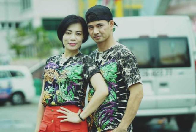 Bênh vực NSND Anh Tú, Trang Trần tranh cãi nảy lửa với vợ Xuân Bắc - 1