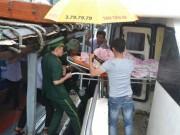 Tin tức trong ngày - Thai phụ vượt bão số 10 từ đảo Lý Sơn vào đất liền sinh nở
