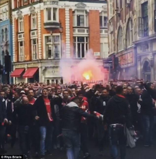 Fan quá khích Cologne làm loạn dọa Arsenal, thành London thất thủ - 1