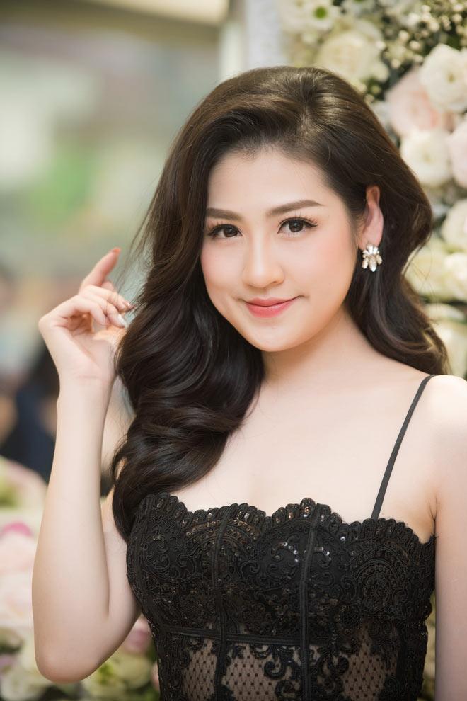 """""""Bạn gái Noo Phước Thịnh"""" khoe nét đầy đặn với 2 dây trễ nải - 3"""