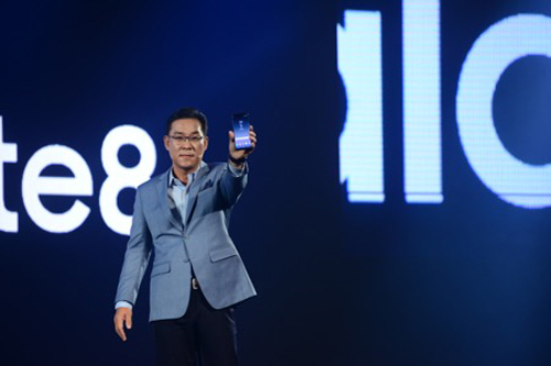 Những khoảnh khắc ấn tượng tại lễ ra mắt Galaxy Note8 ở Việt Nam - 2