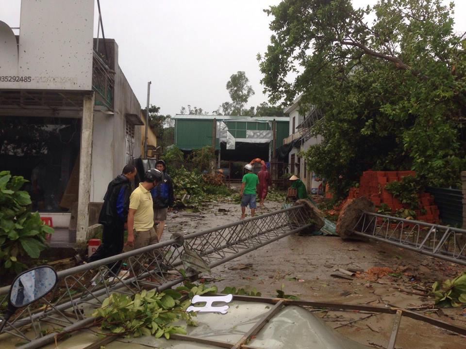 CẬP NHẬT bão số 10 ngày 15/9: Bão sang Lào sau 6 giờ quần thảo miền Trung - 11