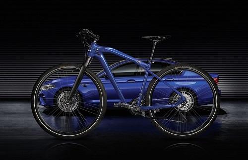 "BMW M Bike Limited Carbon Edition 2017: ""Cặp bài trùng"" của BMW M5 - 4"