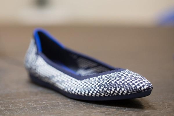 Cái kết bất ngờ của chàng trai bỏ việc, chế tạo giày búp bê từ chai đựng nước - 5