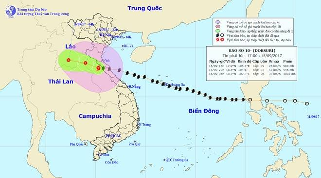 Bản tin thời tiết 17h30: Bão đi qua, Nghệ An-Quảng Ngãi vẫn mưa to hết ngày mai - 1