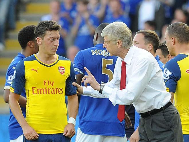 """Mourinho chiêu dụ Ozil về MU trong tháng 1 với giá """"bèo"""""""