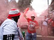 Fan quá khích Cologne làm loạn dọa Arsenal, thành London thất thủ