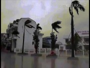 """Tin tức trong ngày - Bản tin thời tiết 9h30: Bão số 10 bắt đầu """"oanh tạc"""" vùng biển Hà Tĩnh-Quảng Trị"""