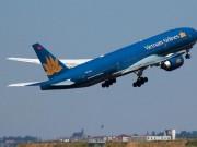 Tin tức trong ngày - Nhiều chuyến bay tiếp tục bị hủy do bão số 10