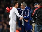 Mourinho chiêu dụ Ozil về MU trong tháng 1 với giá  bèo
