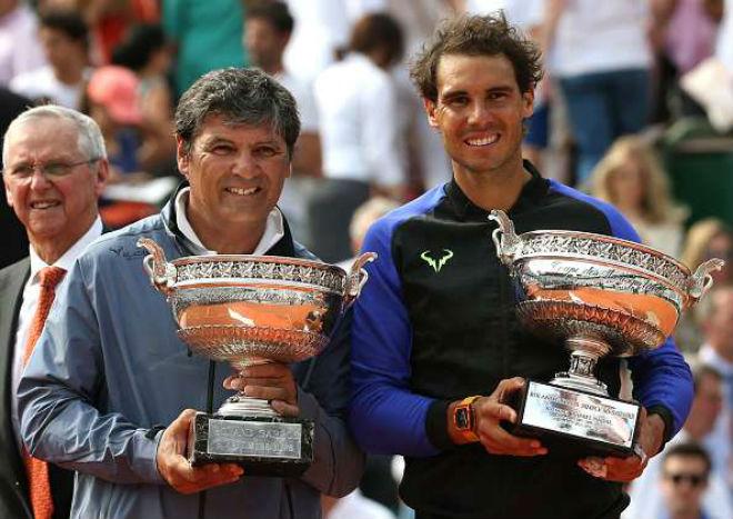 """Vi ngai vàng Grand Slam, Federer có dám """"bái sư"""" chú Nadal? 1"""