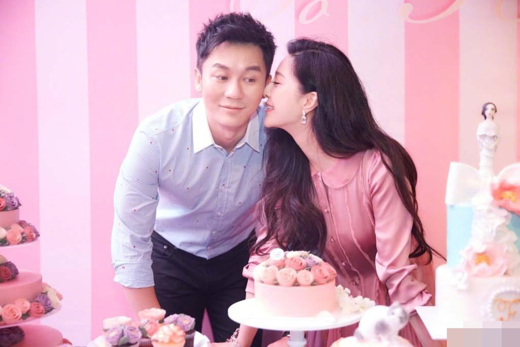 Lý Thần quỳ gối cầu hôn Phạm Băng Băng trong ngày sinh nhật - 2