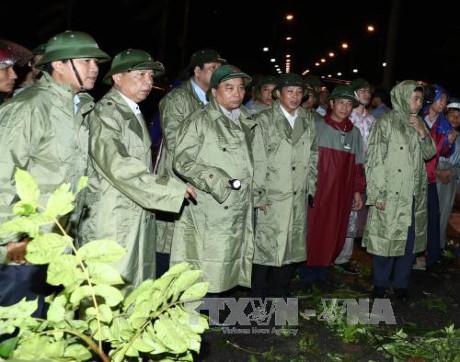 Thiệt hại nặng nề sau bão, Thủ tướng họp khẩn khắc phục hậu quả - 1