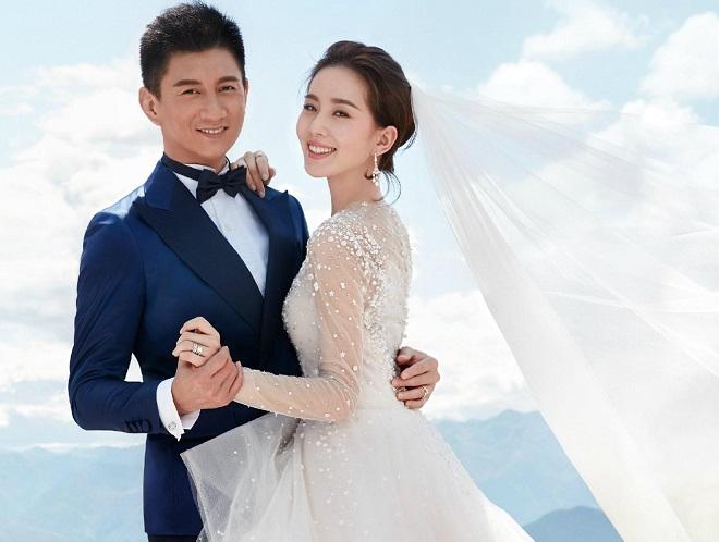 """""""Vua Khang Hy"""" U50 khiến vợ kém 17 chết mê vì múi bụng đá tạc - 2"""